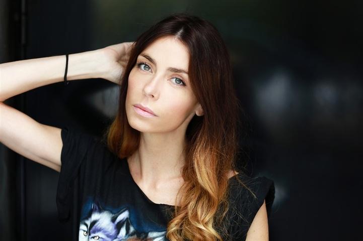 EMILIE  image-3
