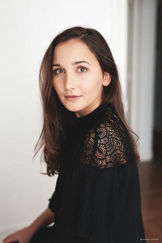 LAURA L  image-4