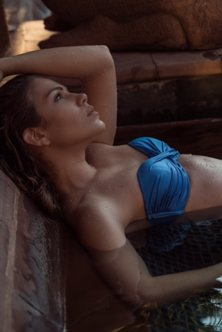 EMILIE D  image-9