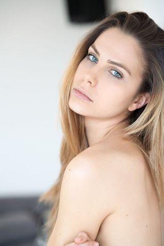 EMILIE D  image-14