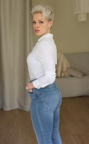 JOHANNA H image-8