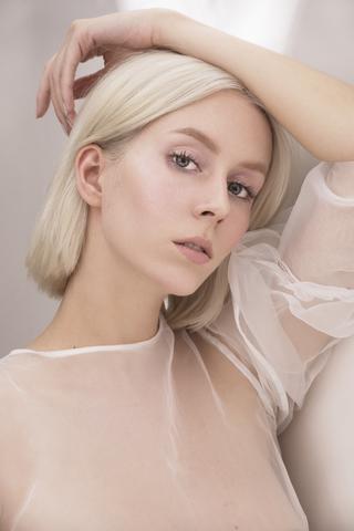 LAURA C image-4