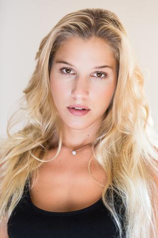 ANNA BR image-8