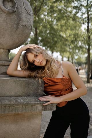 VALENTINE L image-3
